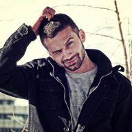 Download Amir Khalvat 's new song called  Rahemoon Jodast