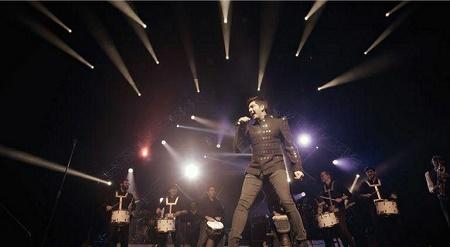 فرزاد فرزین در Dolby Theater لس آنجلس روی صحنه رفت