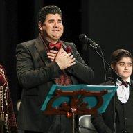 اجرای سه نفرِ سالار عقیلی با همراهی پسر و همسرش