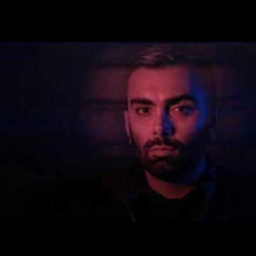 Download Masoud Sadeghloo's new song called Aroom Aroom